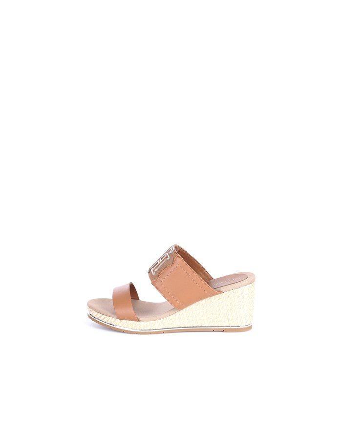 Tommy Hilfiger With wedge Cognac