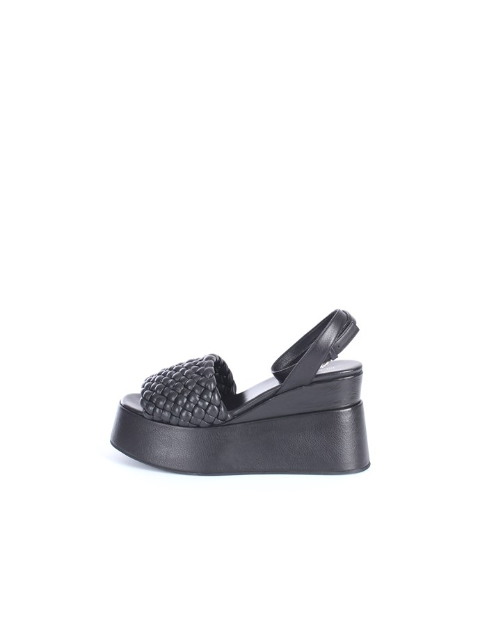 Strategia With wedge Black