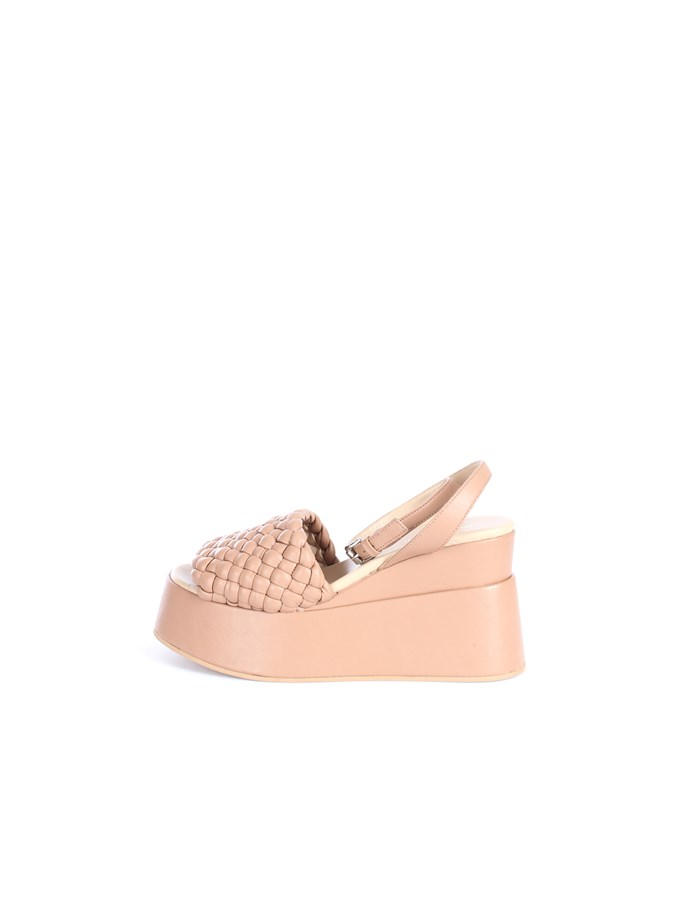 Strategia With wedge Nude